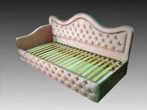 Интерьерная кровать Лара